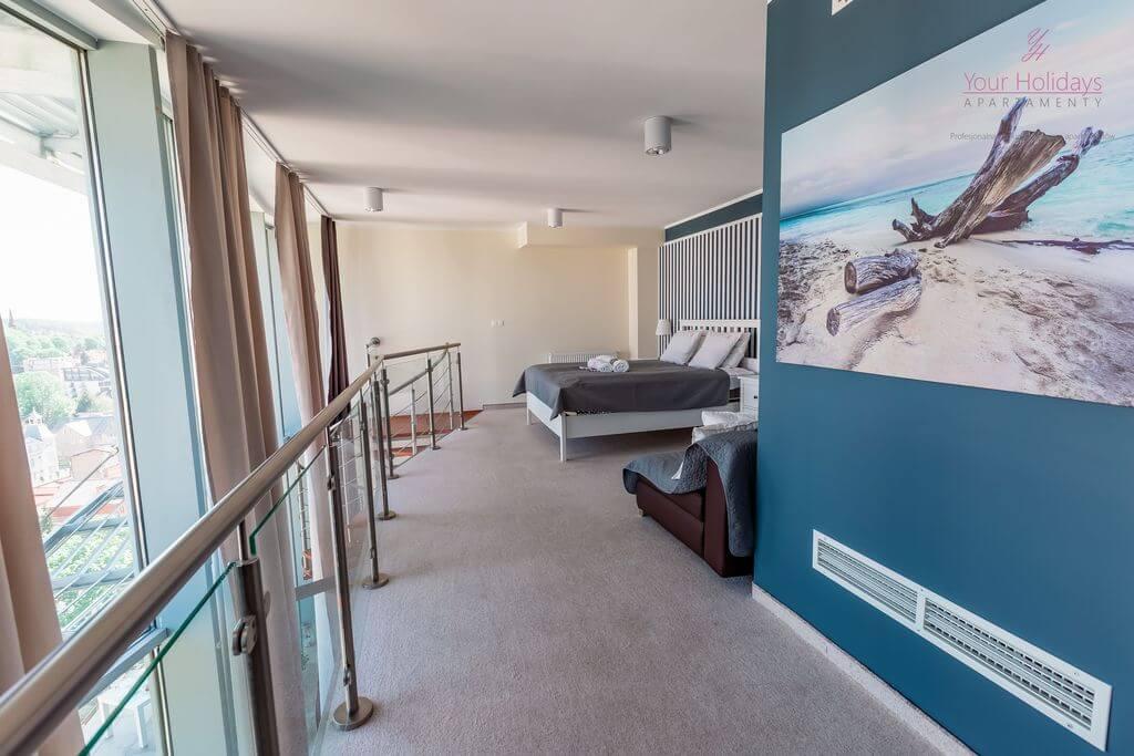 Międzyzdroje Apartament Promenada Gwiazd 28/1001 - sypialnia na piętrze w apartamencie blisko morza